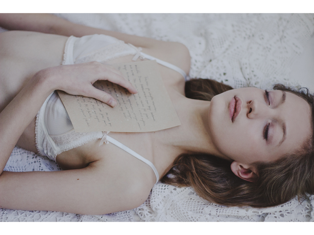 Magdalena Nishe - upcoming photographer - romantic photography art editorial